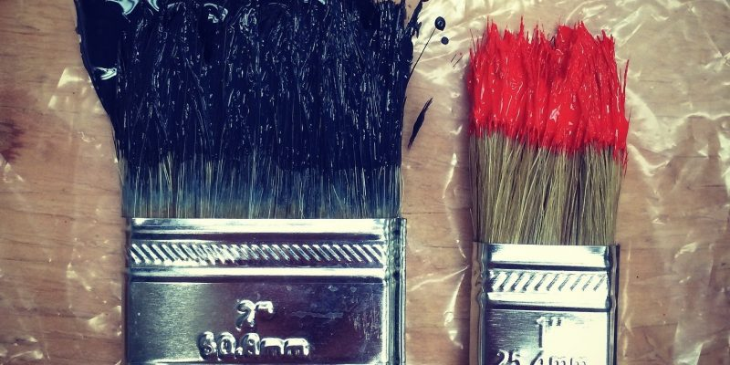 The Best Way to Clean Oil-Based Paint off Paintbrushes
